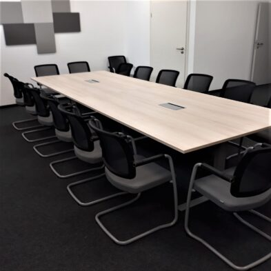 Uhlmanns Büro Komplett Individuelle Konferenzräume